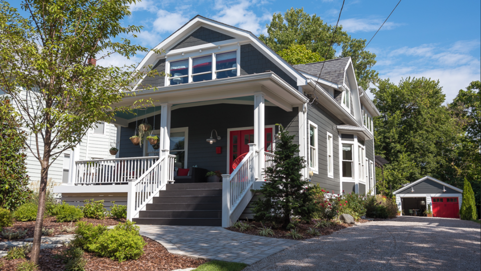 Hgtv S Annual Urban Oasis Contest Comes To Cincinnati This Year In The Form Of A Renovated Dutch Colonial Style Oakley Home Beginning October 1 Anyone Can