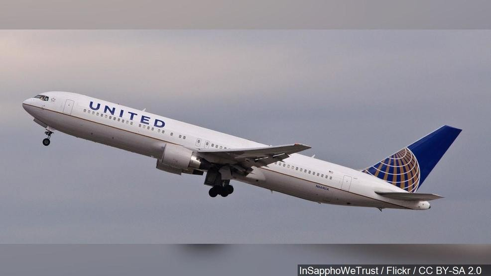 Passengers stuck on United airplane for 16 hours   WKRC