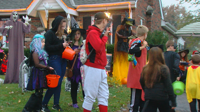 Corona Ween 6 Weeks Out Health Officials Mum On Plans For Halloween Wkrc