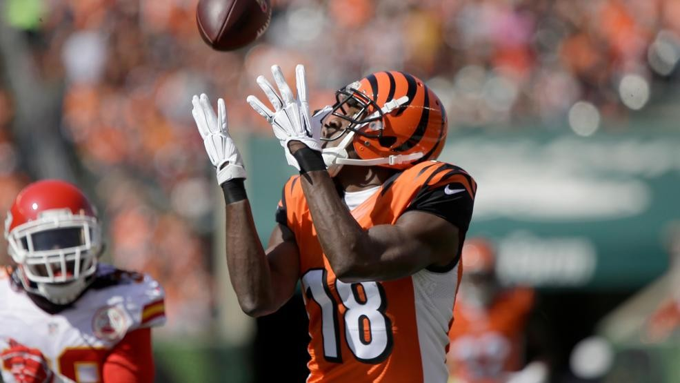 new concept f1b84 4813a Bengals WR A.J. Green, wife Miranda welcome new baby boy ...