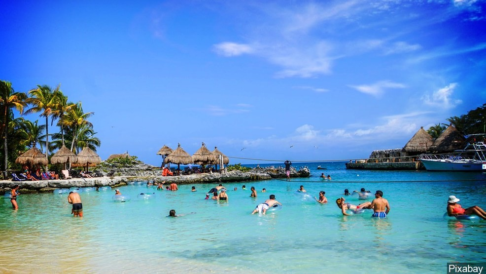 8 Dead Bodies Found On Streets Of Mexican Resort Of Cancun