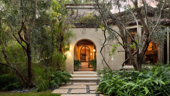 Gorgeous Beverly Hills Mansion Going To Auction Wkrc
