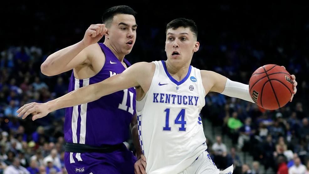 official photos 4f5d4 93008 Kentucky set to face hot-shooting Wofford in NCAA Tournament Round of 32
